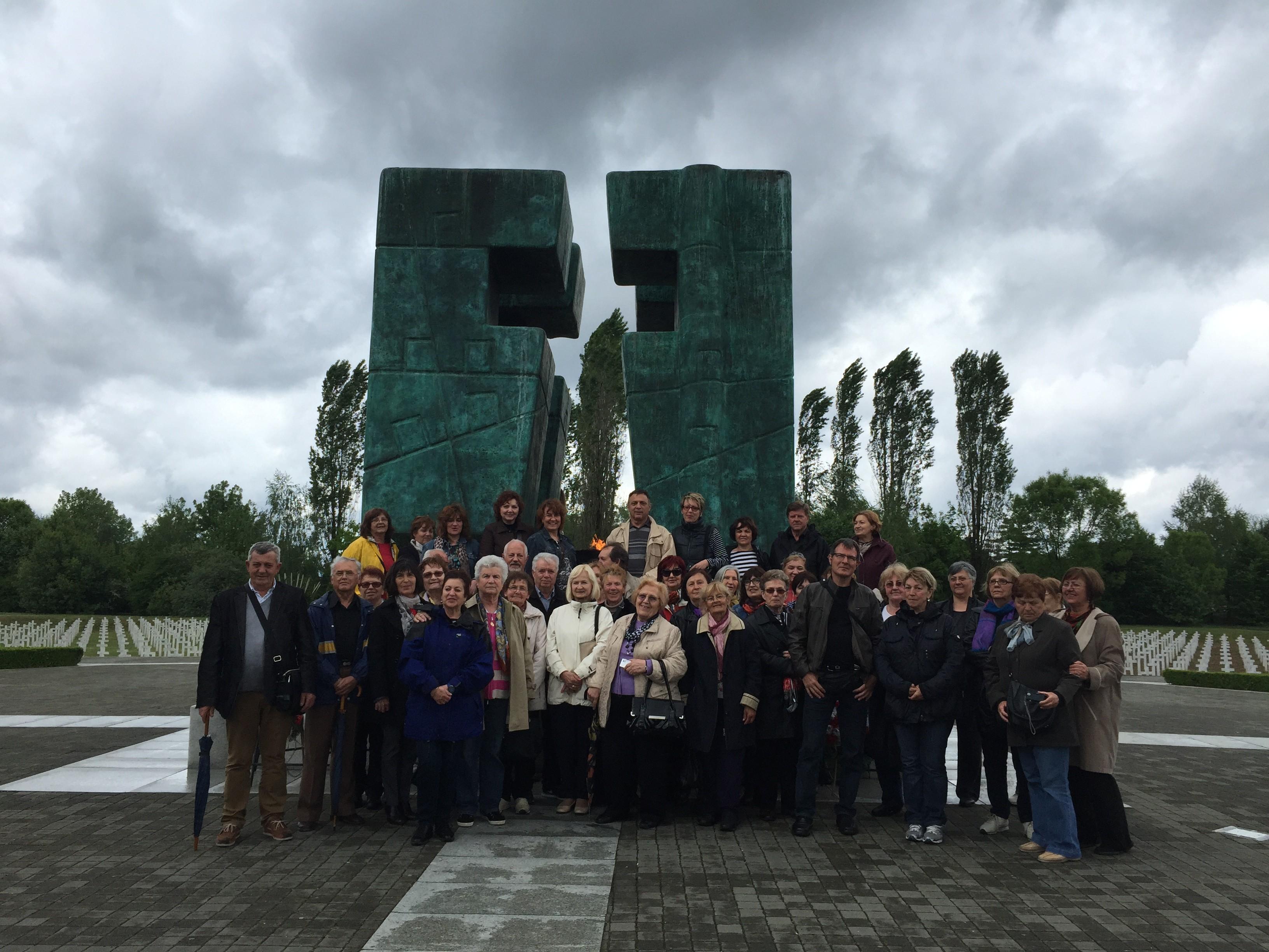Župni zbor i župljani fažanske župe sv. Kuzme i Damjana hodočastili su 2.i 3. svibnja u Vukovar i Đakovo